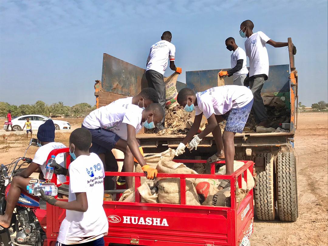 Gambia Ocean Heroes clean-up